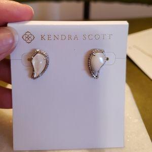 Kendra Scott Jewelry - Kendra Scott posts
